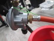 je-soucasti-grilu-q-1200-set-pro-napojeni-grilu-k-plynove-lahvi-4