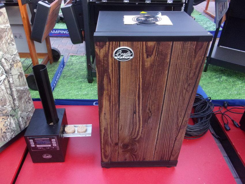 digitalni-udirna-bradley-smoker-4-teak-wood