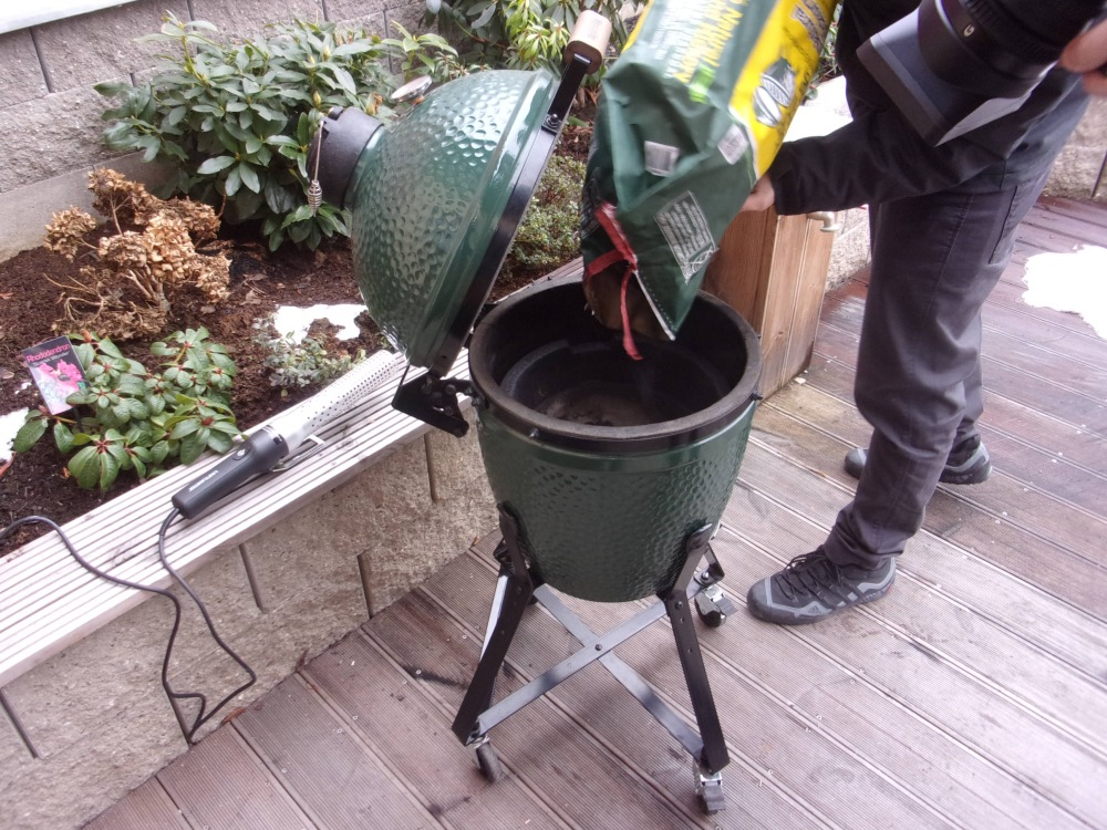 Gril Big Green Egg - uhlí