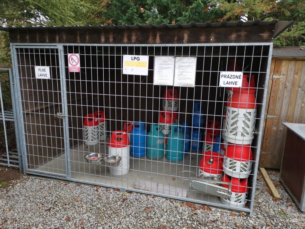 skladování plynových láhví