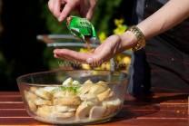 Nezbytným kořením spolu se solí a pepřem je muškátový květ.  Muškátový květ je pro svou vůni velmi oblíbený při přípravě hlavně zeleninových pokrmů.