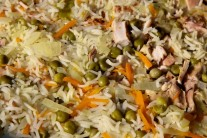 Při podroběnjším zkoumání je vidět struktura rizota a rozmanitá barevnost. Rýže není rozvařená, použili jsme rýži Basmati.