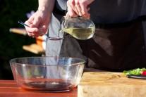 Pak přichází na řadu olivový olej...