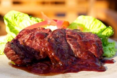 Grilovaný steak z falešné svíčkové