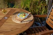 Aranžmá na talíři můžeme doladit napříč překrojeným ogrilovaným česnekem. Už jen při pohledu na takto naaranžovanou večeři se jistě spoustě z nás sbíhají sliny.