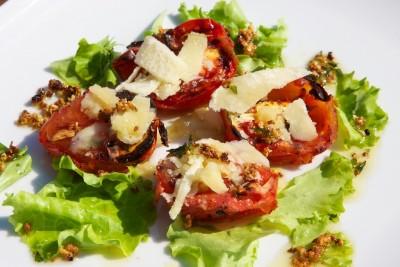 Grillovaná rajčata s česnekem