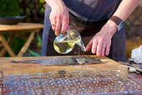 Při grilování používáme vždy kvalitní rostlinný olej, nejlépe slunečnicový nebo olivový.