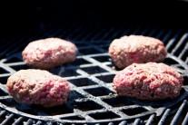 hamburger-s-bylinkovym-maslem-1442